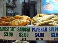 13 món ăn đường phố bạn nên thử ở Singapore