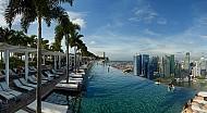 Bể bơi vô cực lửng lơ giữa trời Singapore