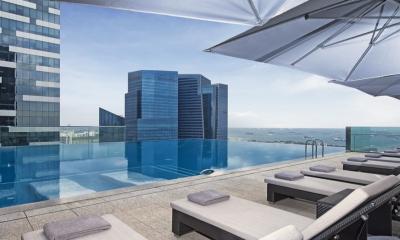 10 khách sạn Singapore có bể bơi vô cực ấn tượng nhất