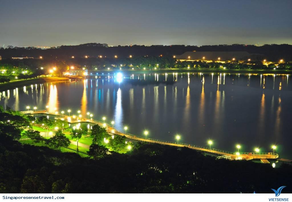 Tới hồ Bedok vui chơi và xem thể thao